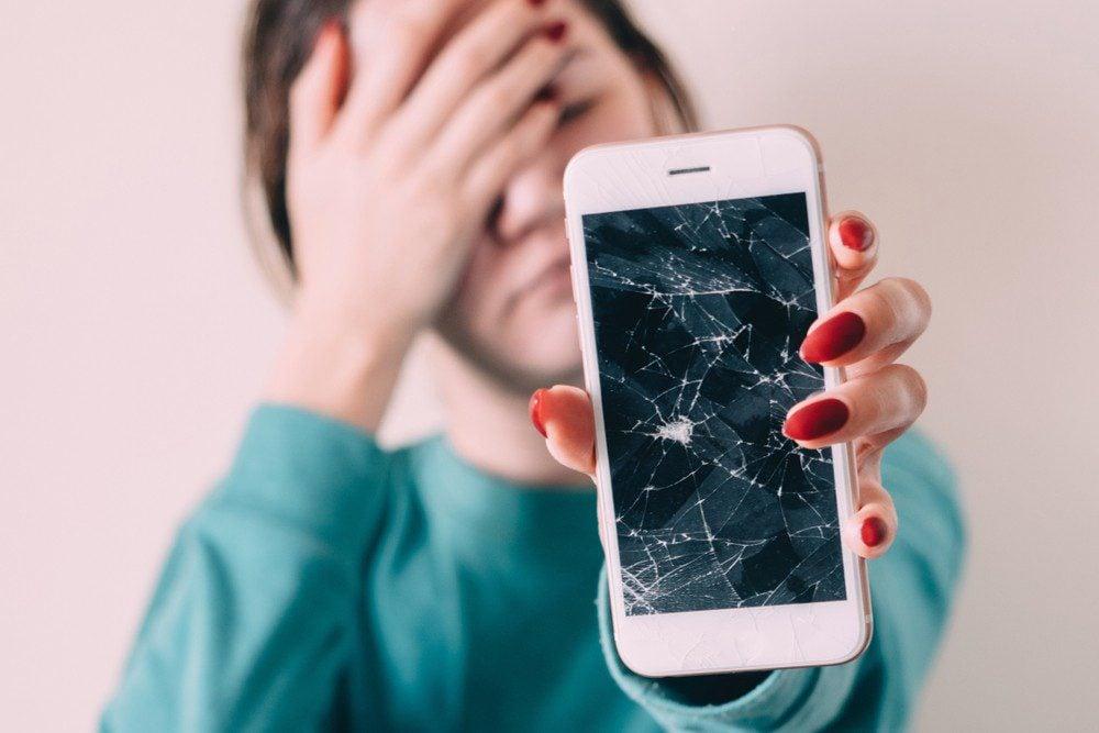 uszkodzony smartfon, jak odzyskać dane