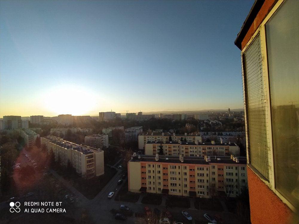xiaomi redmi note 8t zdjęcie zrobione w trybie szerokokątnym
