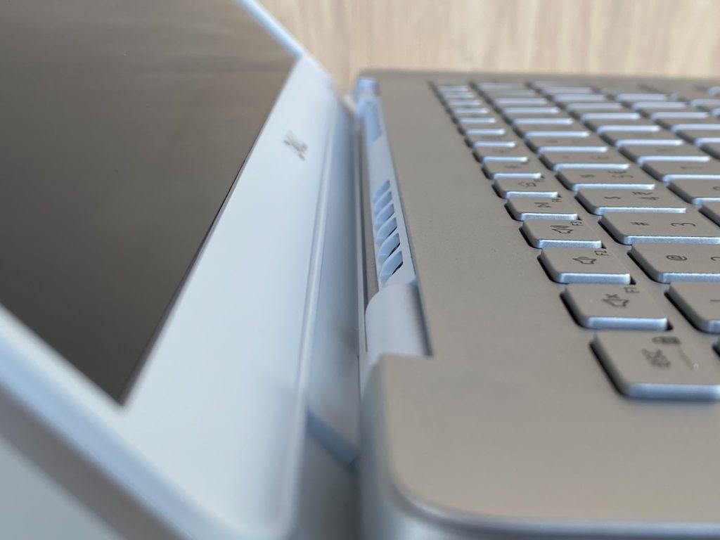 Dell Inspiron 5490 wyloty powietrza