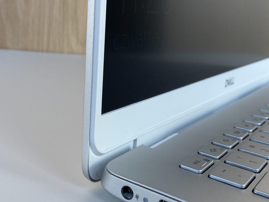 Dell Inspiron 5490 wyswietlacz