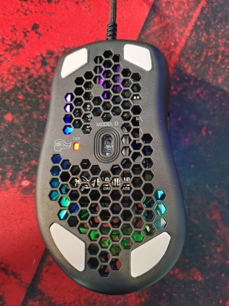 Glorious PC Gaming Race Model D dół myszki z lampką LED