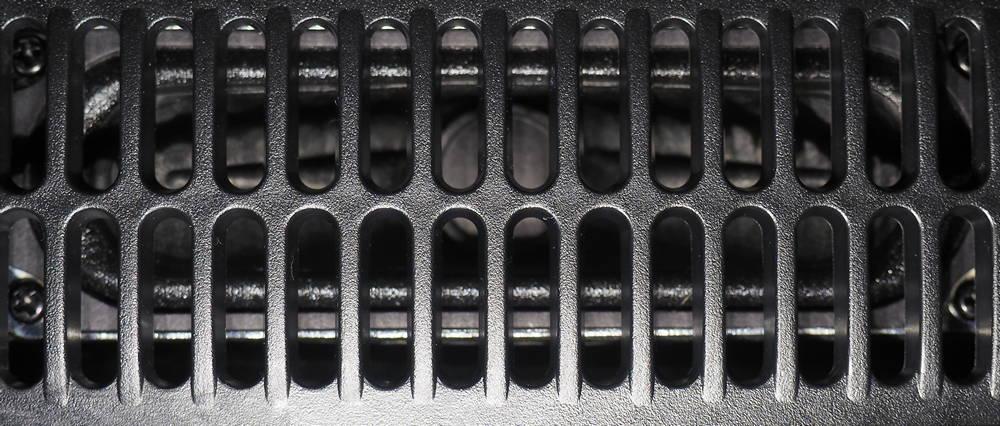 wygląd głośników samsunga 55RU8002