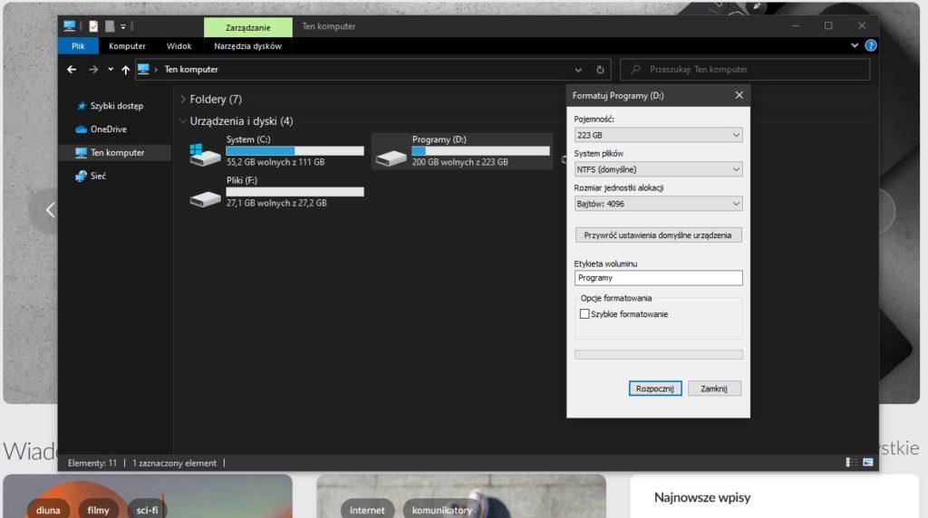 zdjęcie pokazuje menu systemowe i instruuje, jak wykonać szybkie formatowanie dysku