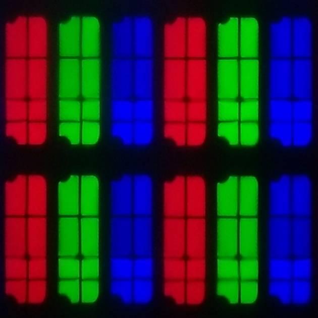 układ pikseli w matrycy nowszej wersji samsunga 55ru8002
