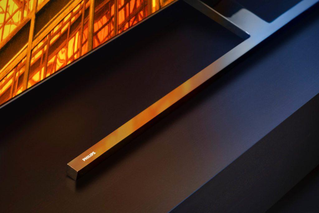 zdjęcie przedstawiające podstawkę telewizora Philips OLED855