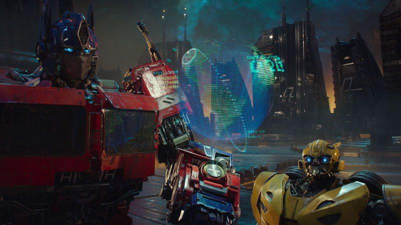"""Ukryta moc, odkryte karty – dwa nowe filmy z universum """"Transformers"""" w drodze"""