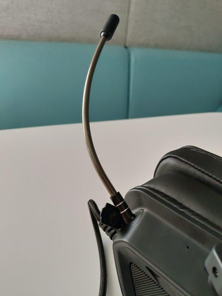 Patriot Viper V380 mikrofon podłączony do słuchawek