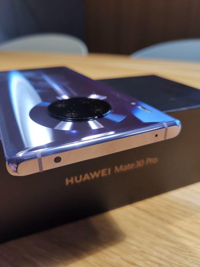 górna ramka Huawei Mate 30 Pro