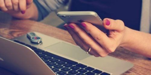 Blokada połączeń na smartfonach z systemem Android | iOS. Jak zablokować niechciany numer?