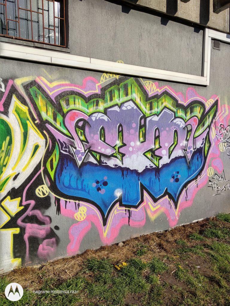 Motorola Razr zdjęcie muru