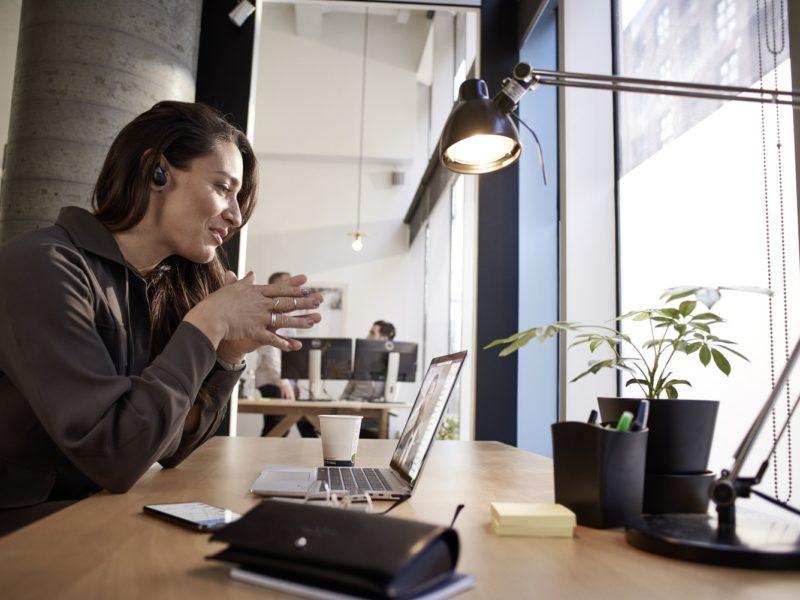 W jaki sprzęt powinny inwestować dziś firmy? Poznaj niezawodne rozwiązania