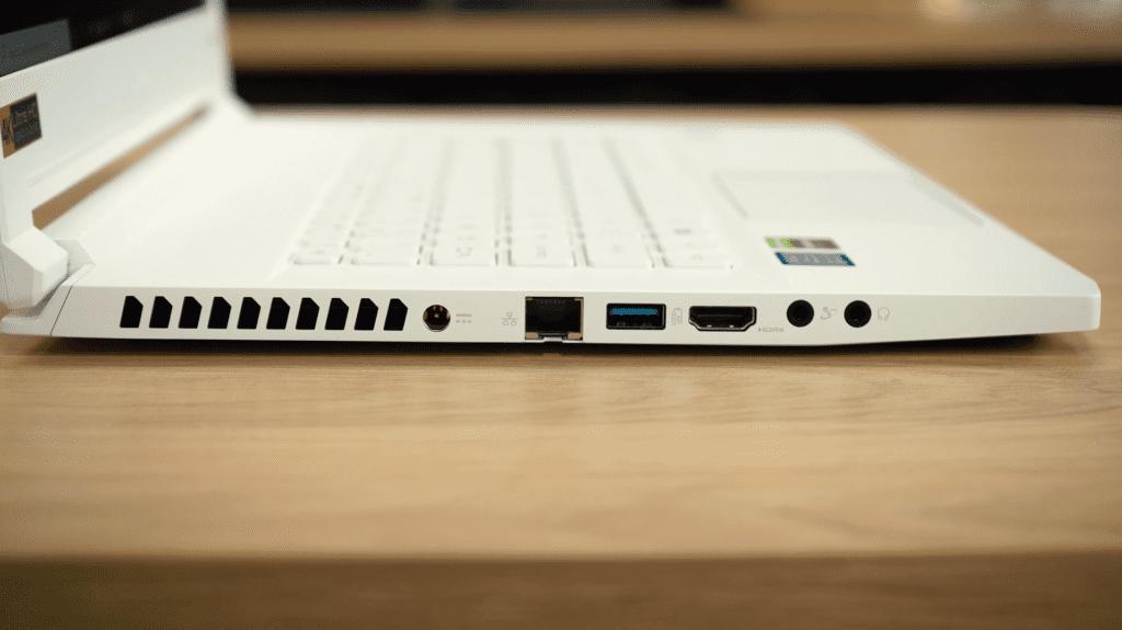 Acer ConceptD 7 - złącza z lewej strony
