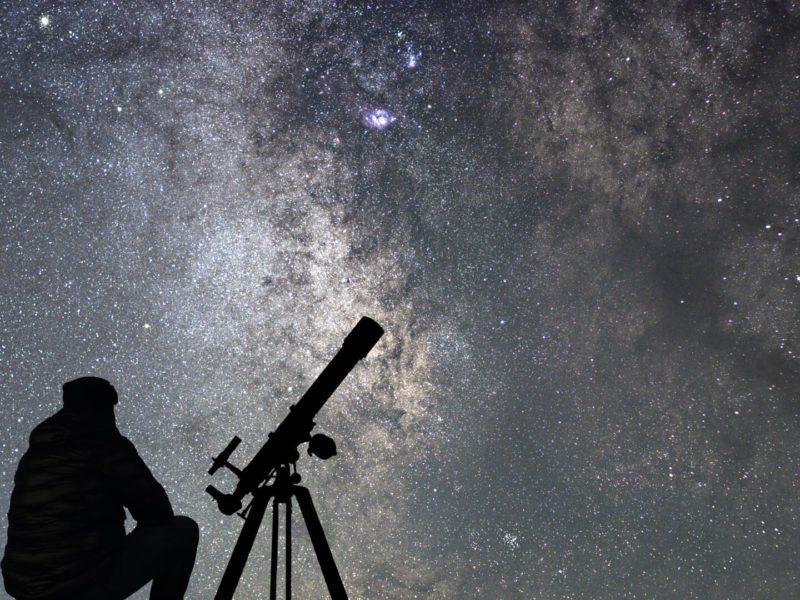 Czy teleskop to to samo co luneta? Czyli astronomia dla bardzo początkujących