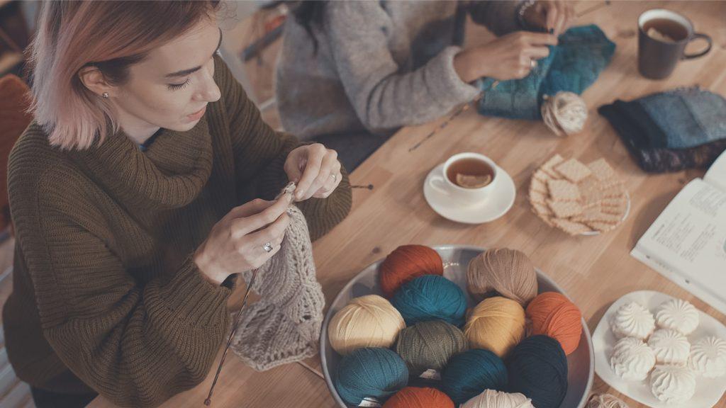 szydełkowanie, robienie na drutach