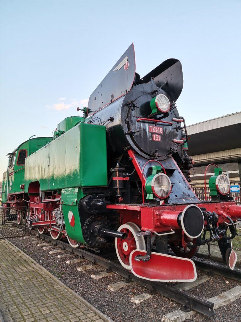 P40 Lite zdjęcie lokomotywy dworzec PKP w Częstochowie