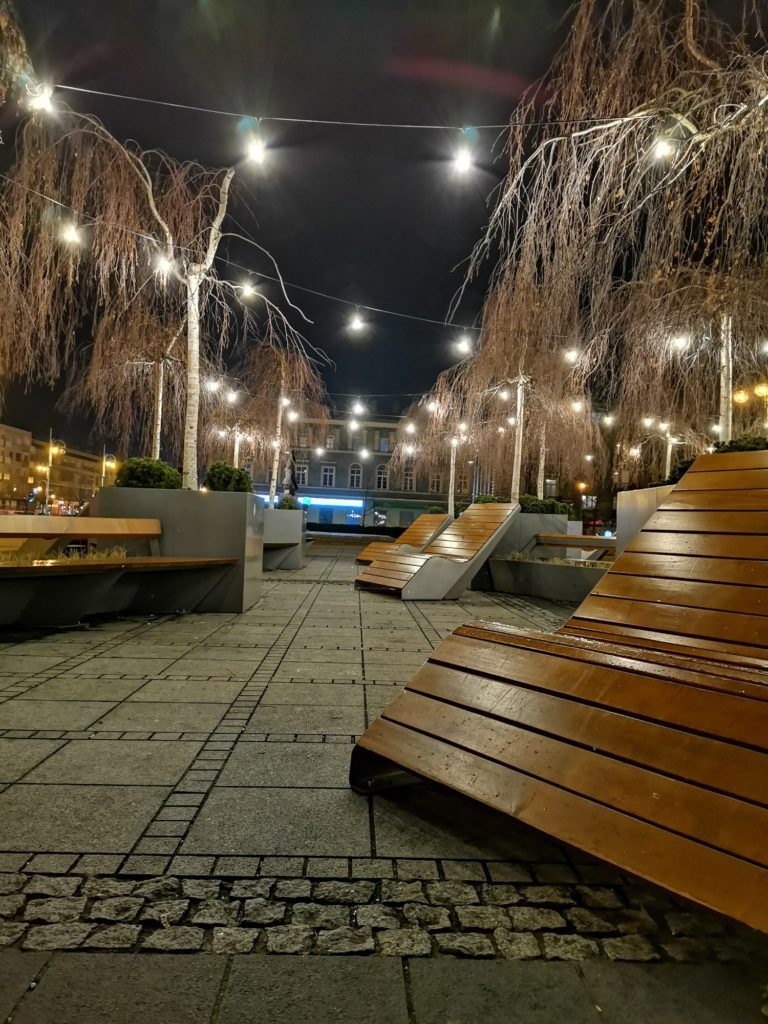 P40 Lite zdjęcie nocne Plac Biegańskiego