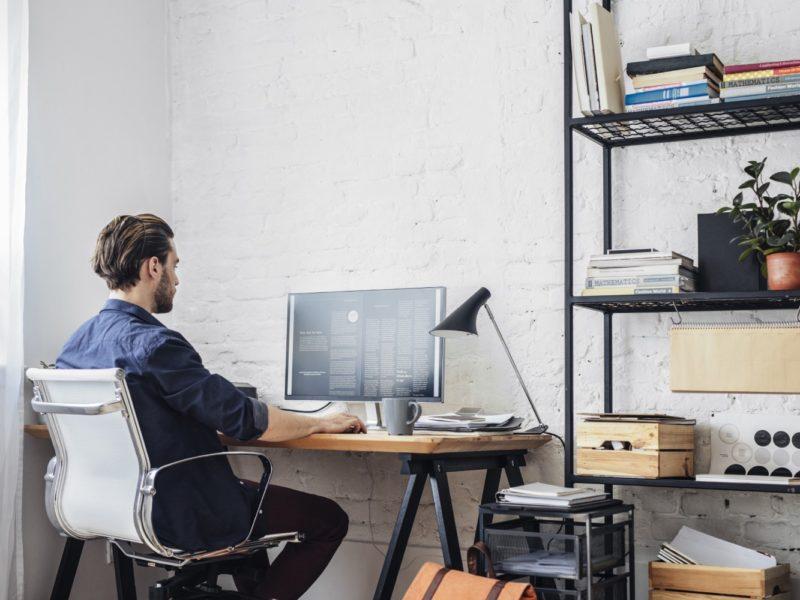 Jak pracować zdalnie? ABC pracy na Home Office