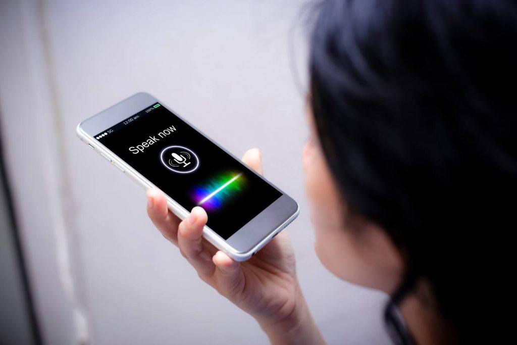nagrywanie głosu na smartfonie