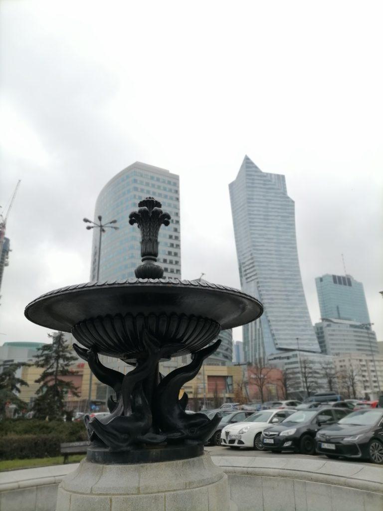 Huawei P40 Lite E zdjęcie pochmurny dzień
