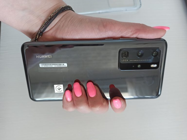 Huawei P40 Pro w ręce
