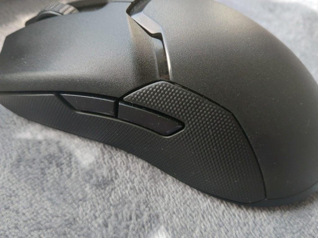 Razer Viper Ultimate bok gryzonia