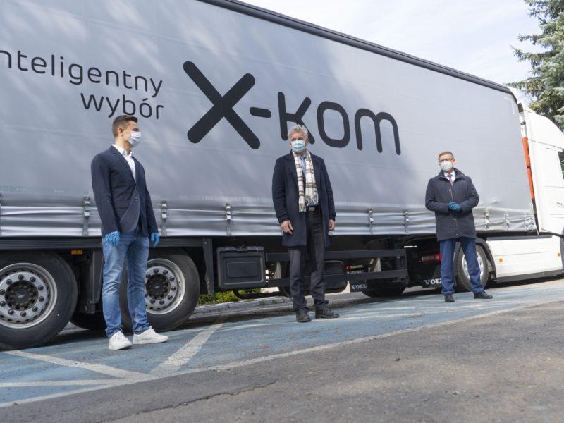 x-kom przekazuje szpitalom sprzęt za 400 tys. zł
