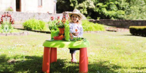 Jak zająć dziecko w domu? Zorganizuj plac zabaw w ogrodzie