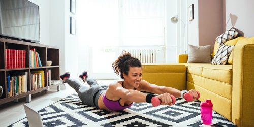 Smartwatch do ćwiczeń w domu. Jaki zegarek kupić do trenowania w mieszkaniu?