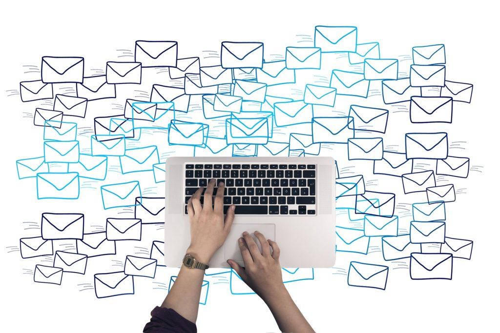 jak pisać maile