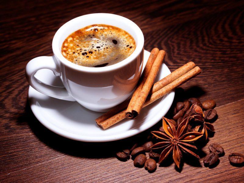 Brakuje Ci energii do pracy w domu? Wybierz ekspres do kawy i sprawdź, co dostaniesz gratis