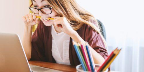 Zdalna praca przy komputerze? W tym okresie szczególnie warto zadbać o swój wzrok