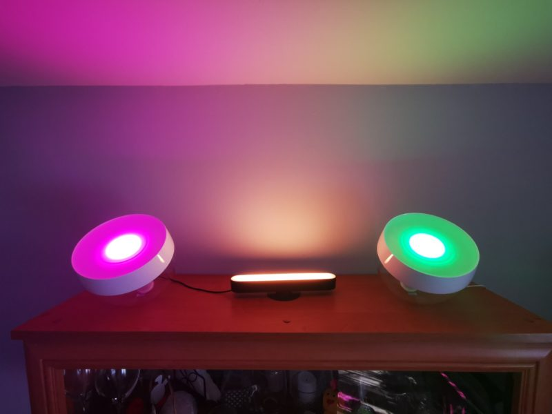 Inteligentne lampy Philips Hue – recenzja w nastrojowym świetle