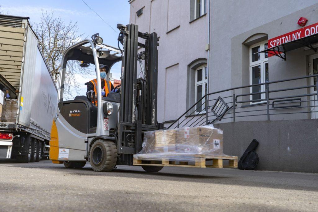 Maseczki i sprzęt dla szpitala w Częstochowie od x-komu