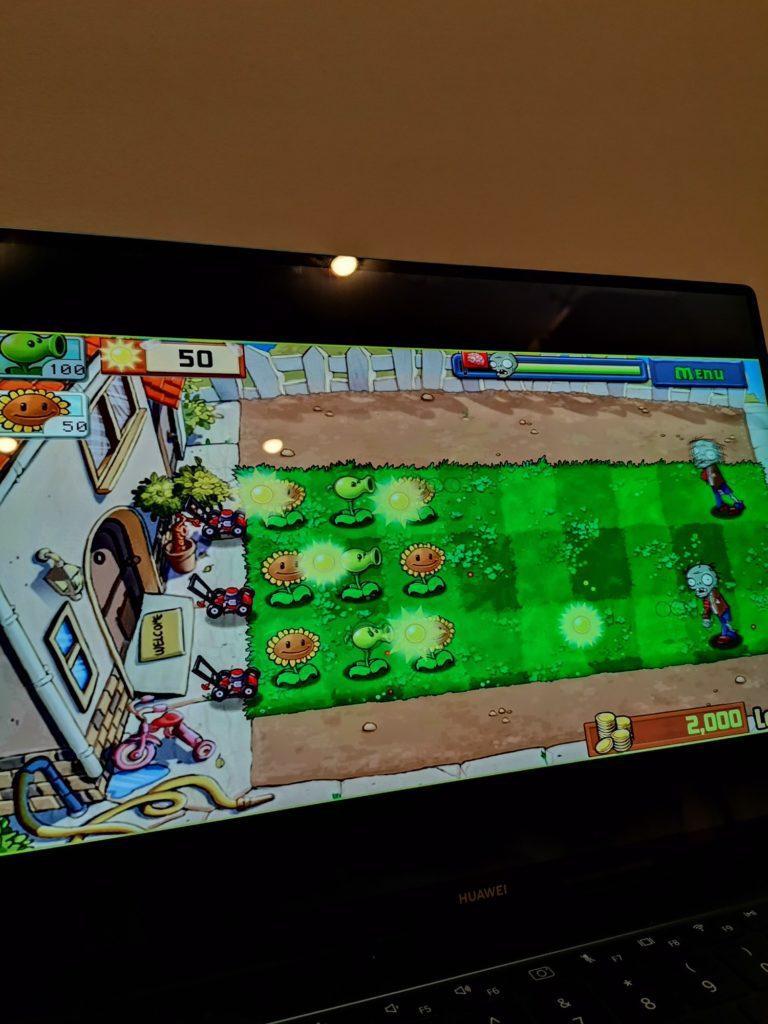 MateBook X Pro 2020 gra Plants vs. Zombies na laptopie