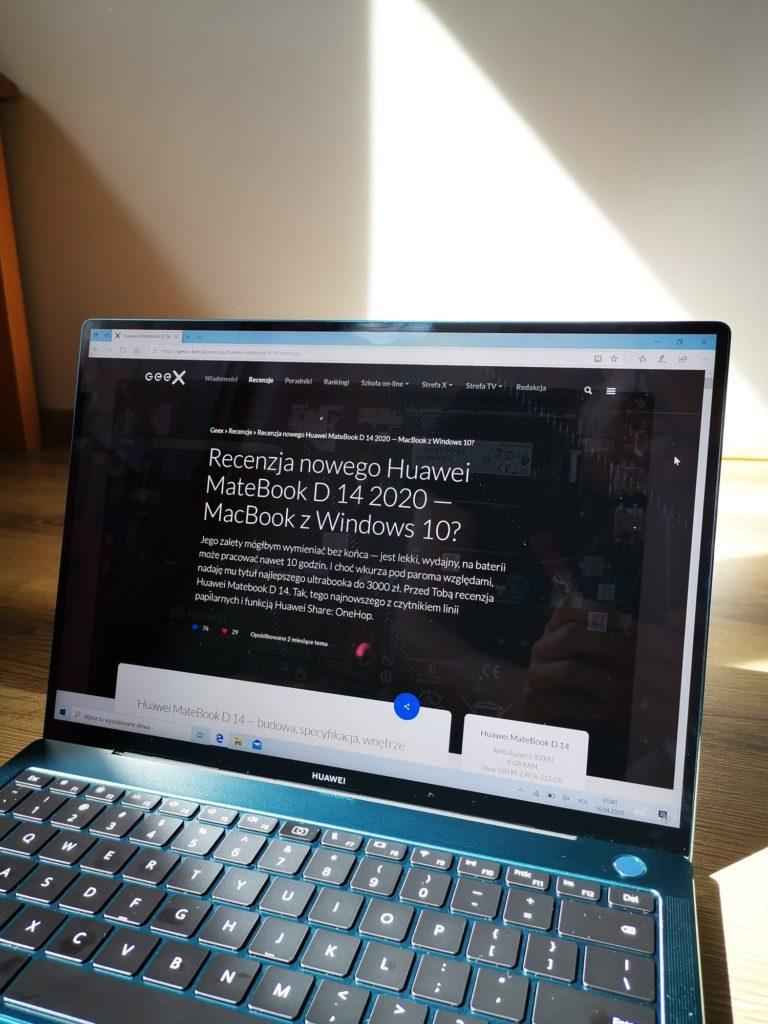 MateBook X Pro 2020 ekran w pełnym słońcu