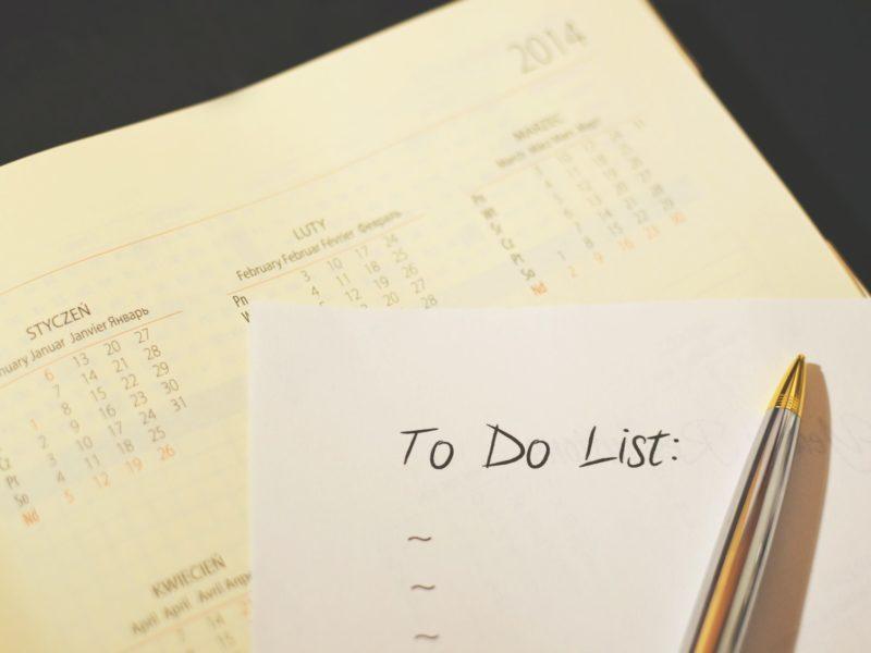 Jak organizować pracę i radzić sobie z nadmiarem zadań