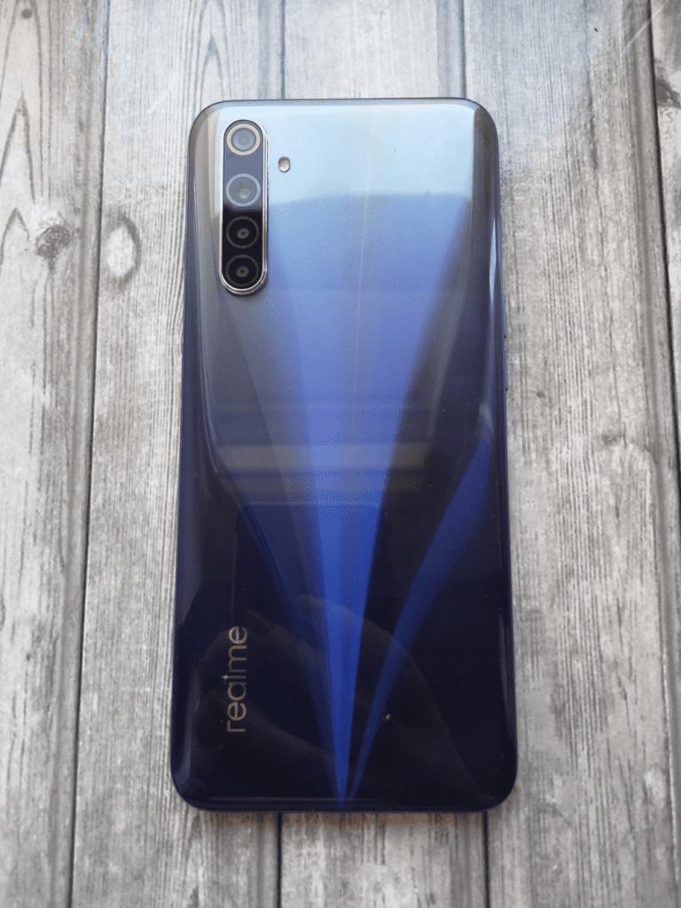 Plecki smartfona Realme 6