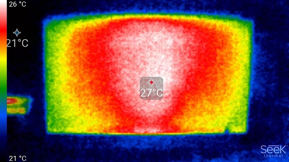 """obraz z kamery termowizyjnej pokazujący rodzaj zastosowanego podświetlenia w xiaomi mi led tv 4s 55"""""""