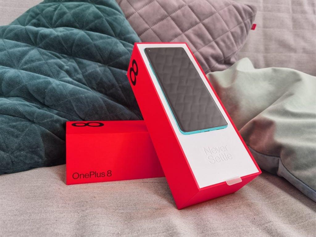 OnePlus 8 unboxing
