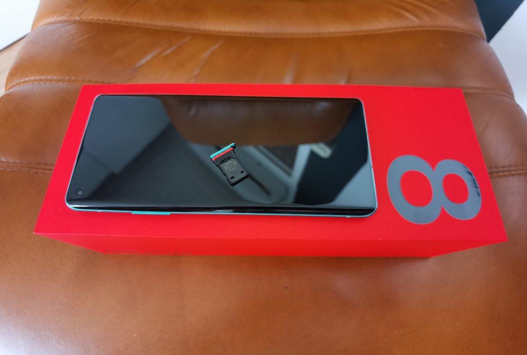 OnePlus 8 szufladka na SIM