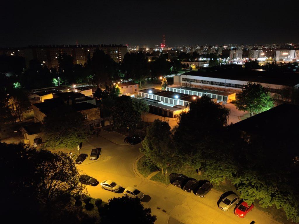 OnePlus 8 nocne zdjęcie