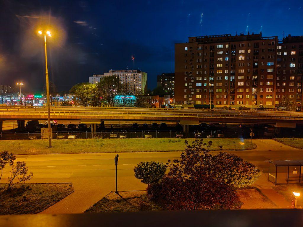 Realme X2 Pro zdjęcie trybem nocnym główny aparat