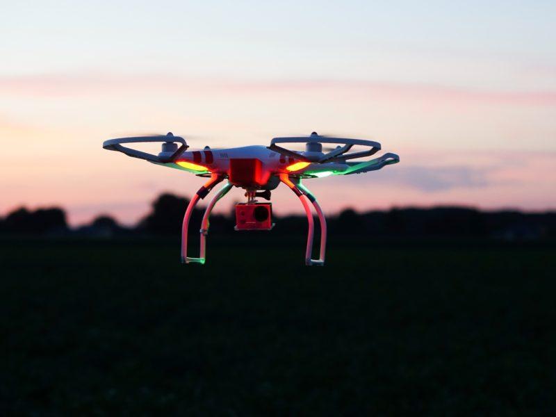 Drony i gogle VR do dronów, czyli arsenał małego pilota