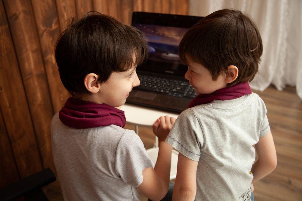 dzieci laptop technologia geex