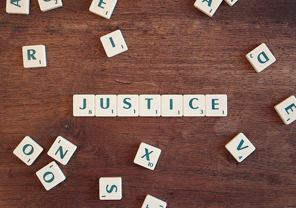 Sprawiedliwość Scrabble