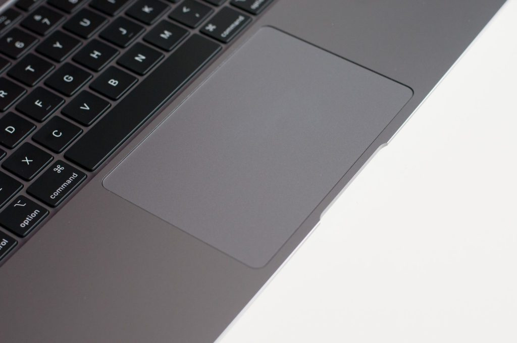 macbook air touchpad