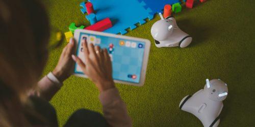 Zabawki interaktywne na Dzień Dziecka i nie tylko. Poznaj nasze propozycje