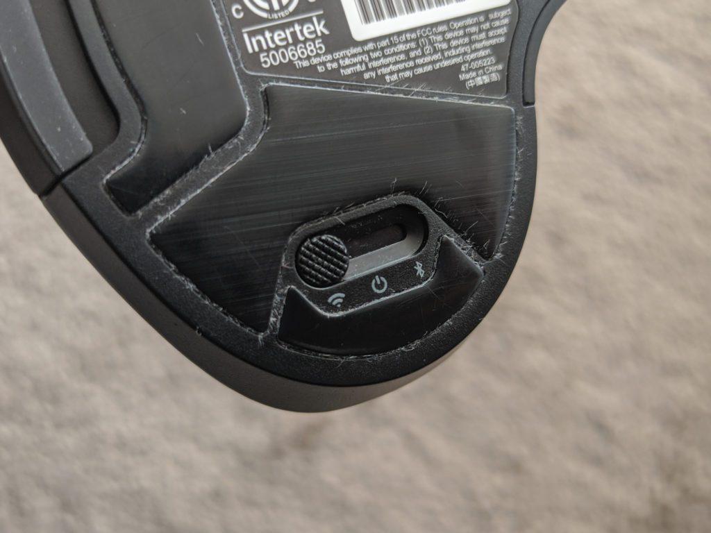 Corsair Dark Core RGB Pro SE przełączniki w myszce