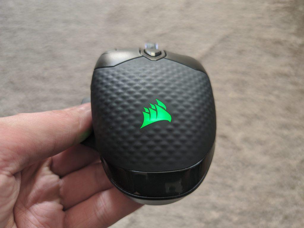 Corsair Dark Core RGB Pro SE wypustki na grzbiecie