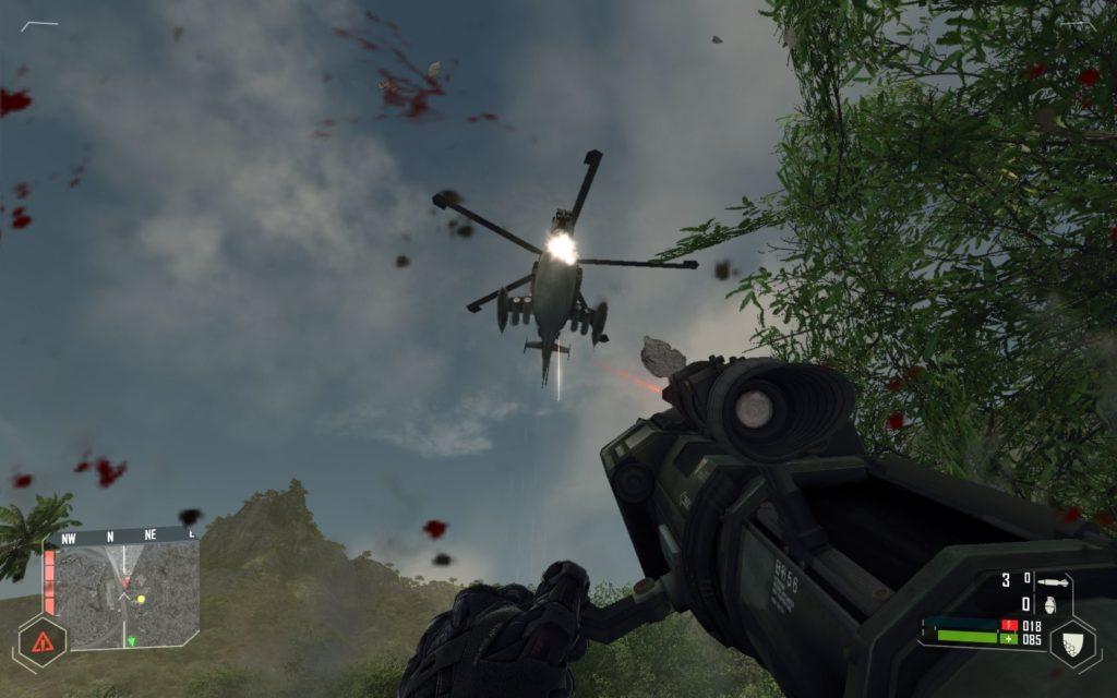 Sreenshot z gry Crysis strzelanie z rakietnicy do helikoptera